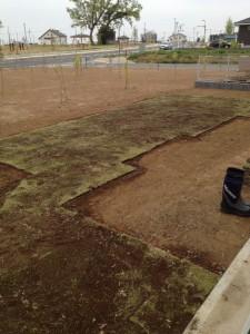 芝張り完了